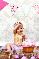 {Lily} Smash Cake Session